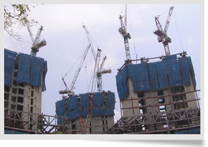 Click to enlarge - Cranes in operation on Shimizu Fusionopolis project